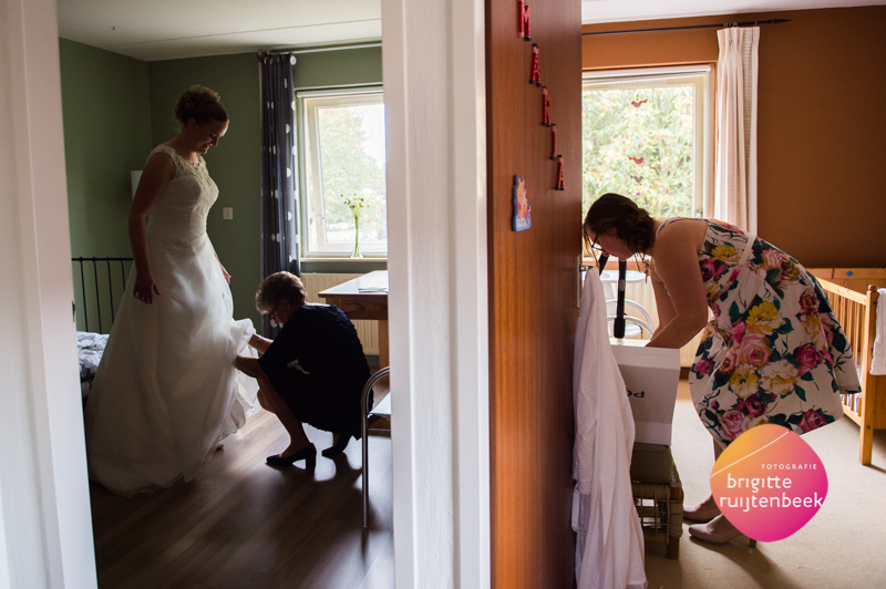 getting ready | Bruidsfotografie