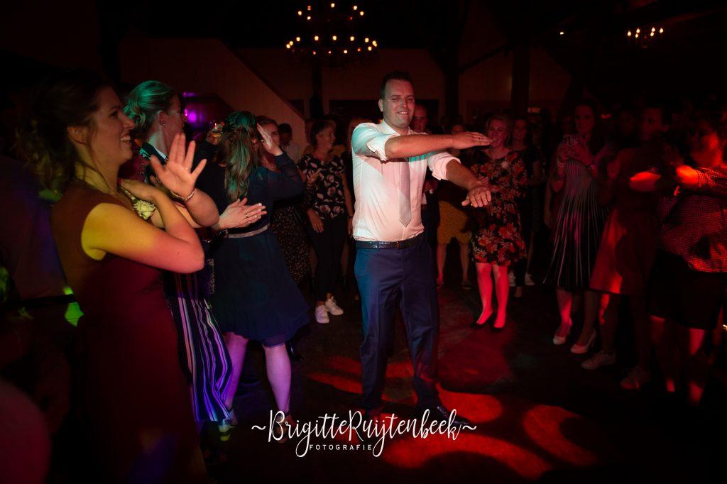 bruidegom danst
