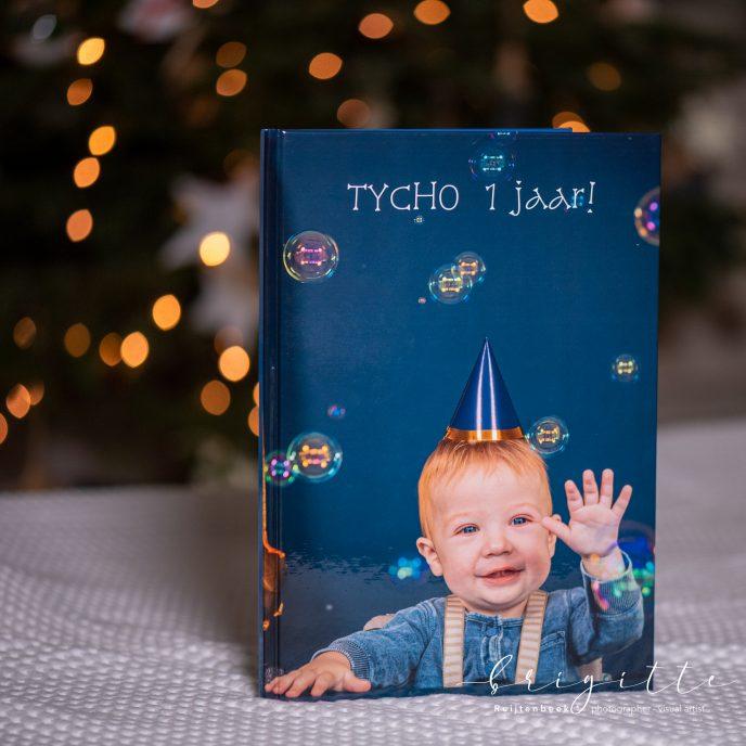 fotoboek bij kerstlichtjes
